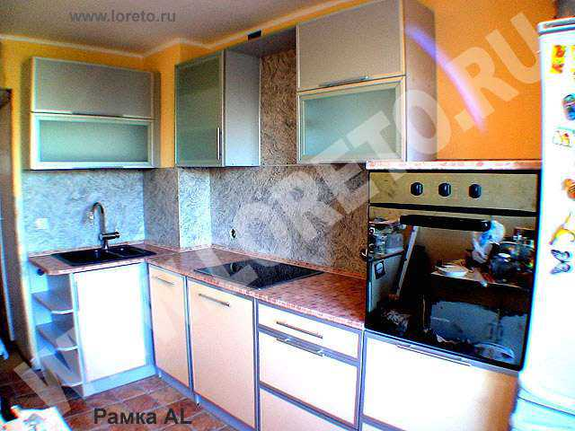 Вентиляционная шахта в углу кухни фото 48