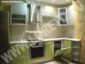 Угловая кухонная мебель для кухни с коробом на заказ фото 39