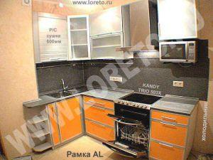 Красивая кухня 9 кв. м с вентиляционным коробом в доме п44 фото 29