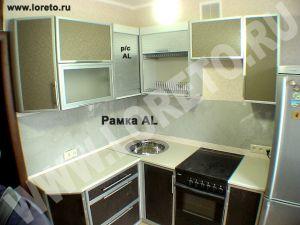 Угловая малогабаритная кухня с холодильником на заказ фото 65