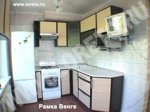 Малогабаритная кухня с бытовой техникой фото 67