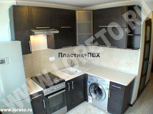 Кухня с холодильником и стиральной машиной фото 69