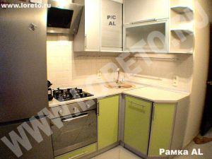 Угловой кухонный гарнитур для маленькой кухни фото 36